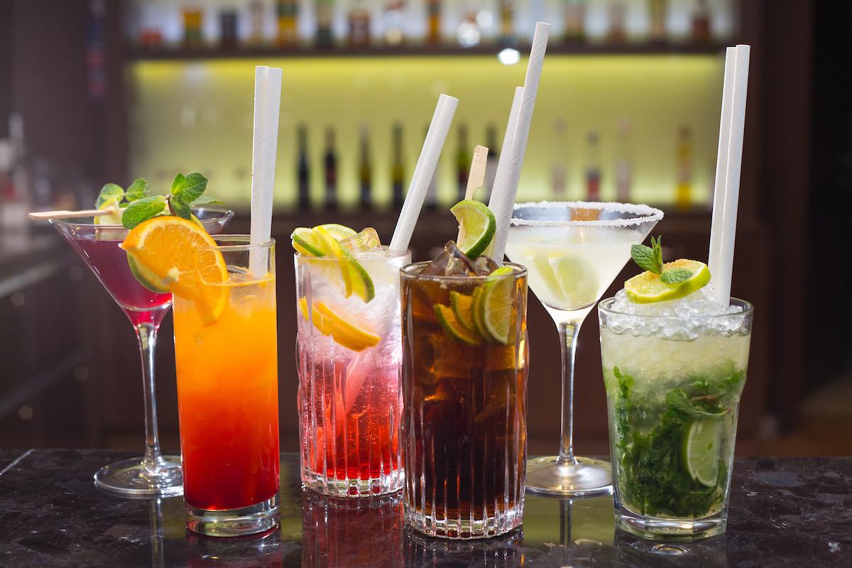 gastronomia-miesane-napoje-bar-hotel-double-tree-kosice